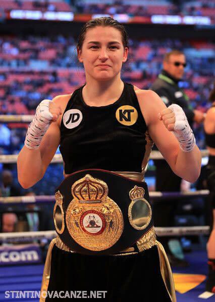 Katie Taylor เคธี่ เทย์เลอร์ (เกิด 2 กรกฎาคม 1986) เป็นชาวไอริชนักมวยอาชีพและอดีตนักฟุตบอล เธอเป็นแชมป์โลกสองน้ำหนักและปัจจุบันไม่มีปัญหา
